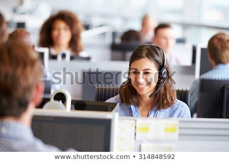 trabalhando · ocupado · escritório · computador · mulher - foto stock © studiofi