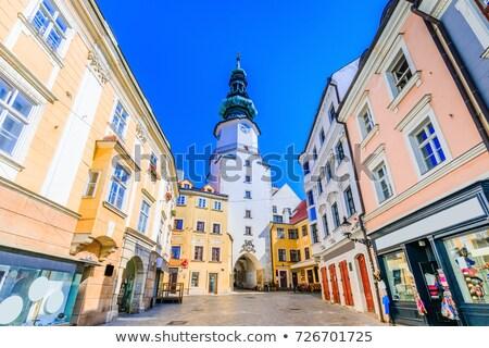 Portão Bratislava Eslováquia casa edifícios arquitetura Foto stock © phbcz
