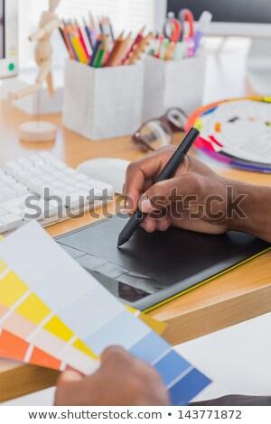 графика · оказывать · группа · бизнеса · карандашом - Сток-фото © wavebreak_media