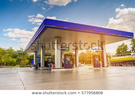tankstation · pompen · vulling · benzine · groene · auto - stockfoto © lightpoet