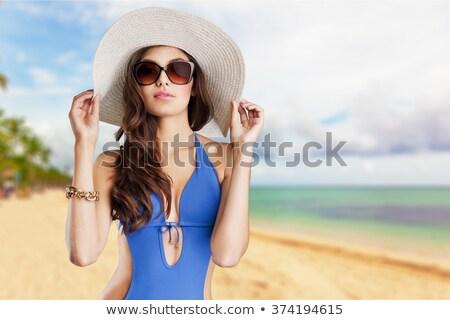 Nyár lányok tengerpart hölgyek boldog divat Stock fotó © konradbak