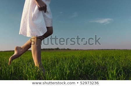 Descalço mulher jovem verde prado harmonia natureza Foto stock © lightpoet