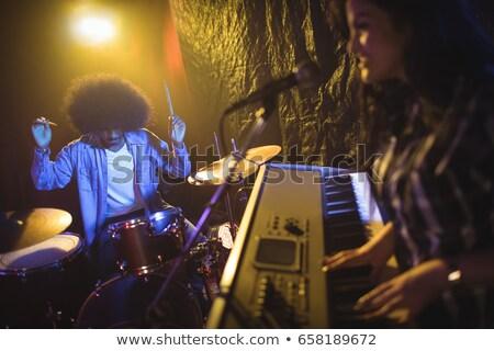 男性 歌手 演奏 ピアノ ナイトクラブ ストックフォト © wavebreak_media