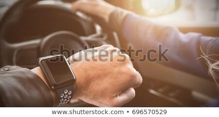 画像 · 女性 · 着用 · 腕時計 · 車 · テスト - ストックフォト © wavebreak_media