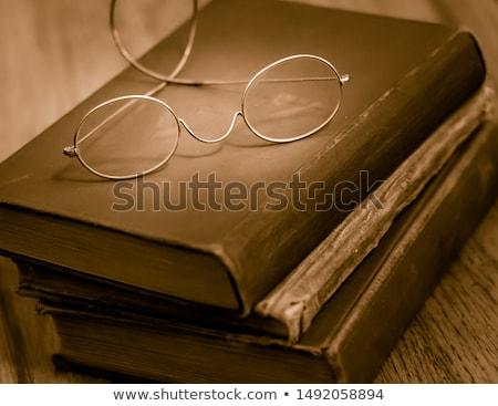 öreg · szemüveg · antik · könyv · kép · papír - stock fotó © nejron