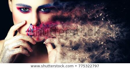sensual · morena · mulher · lábios · vermelhos · unhas · manicure - foto stock © iordani