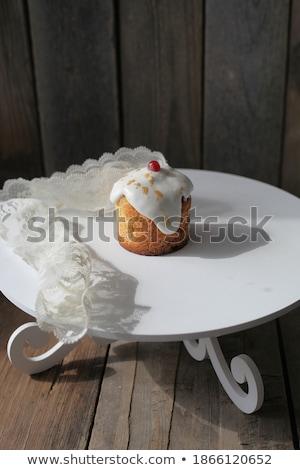 Foto delicioso sabroso pastel de chocolate maravilloso blanco Foto stock © Massonforstock