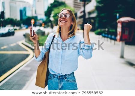 女性実業家 良いニュース 電話 コンピュータ オフィス 作業 ストックフォト © Kzenon