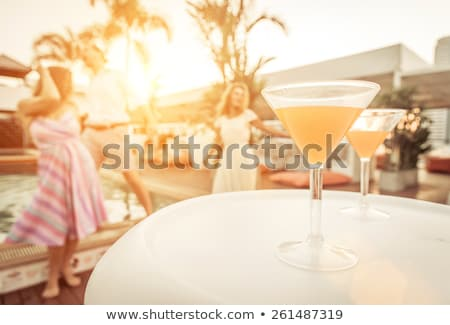 Drie vrienden leuk zwembad grapje water Stockfoto © meinzahn