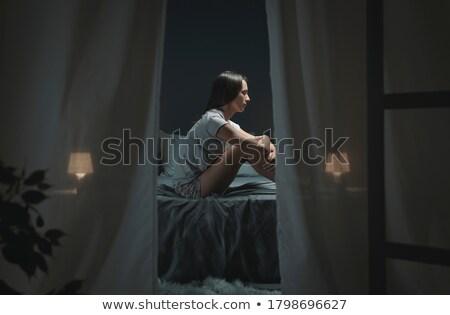 nő · ül · ágy · megjavít · haj · fehér - stock fotó © stryjek