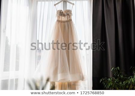 mulher · bonita · vermelho · longo · vestir · casamento - foto stock © gromovataya