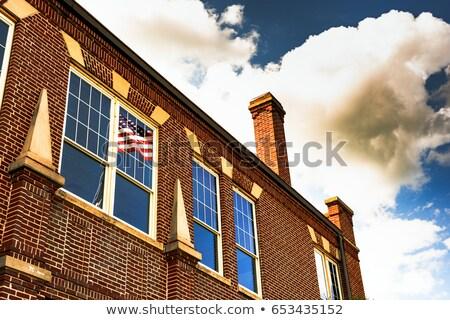 Amerikanische Flagge Gerichtsgebäude Fenster alten Stein blau Stock foto © dbvirago