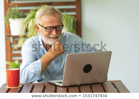 grand-père · utilisant · un · ordinateur · portable · maison · ordinateur · internet · heureux - photo stock © photography33
