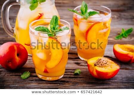 Muitos em torno de colheita comida fruto jardim Foto stock © funix