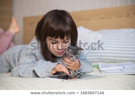 дети · котенка · кровать · пижама · играет · ребенка - Сток-фото © lopolo