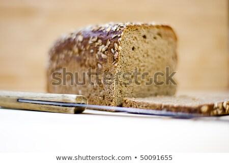 Bruin brood plank mes geïsoleerd witte Stockfoto © gewoldi
