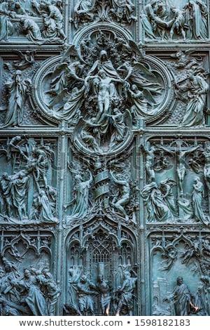Ajtók katedrális Milánó bronz homlokzat Olaszország Stock fotó © vapi