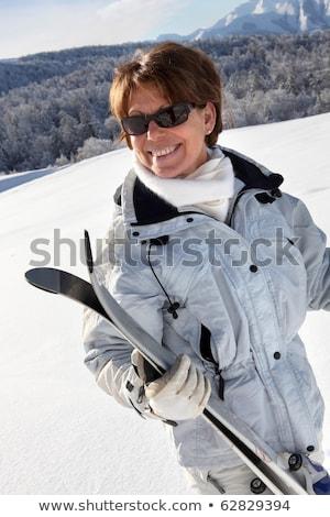 старший · женщину · Солнцезащитные · очки · позируют · задний · двор - Сток-фото © photography33