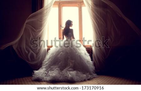 Stockfoto: Gelukkig · jonge · vrouw · trouwjurk · geïsoleerd · bruiloft · sexy