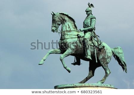 ストックフォト: 広場 · 芸術 · 像 · 文化 · 王 · 東部