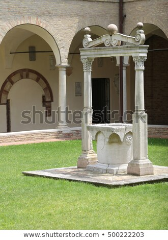 Well in an ancient courtyard Stock photo © fxegs