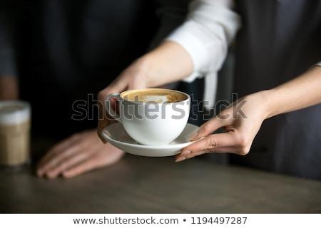 Pincérnő adag dohányzóasztal étterem nő étel Stock fotó © wavebreak_media