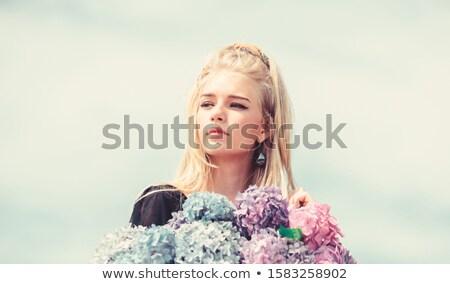 sonriendo · mujer · rubia · albornoz · taza · café - foto stock © konradbak