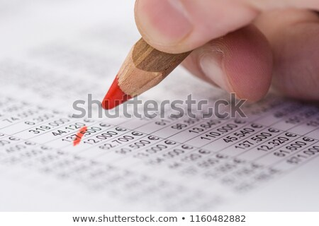 Financière rouge crayon comptables équilibre chiffre Photo stock © Tagore75