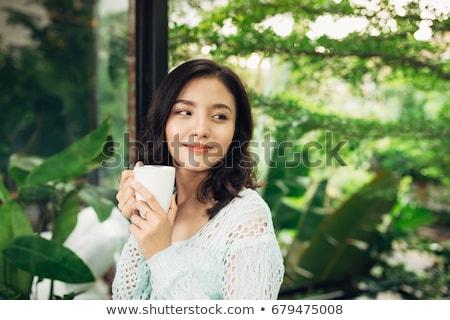 közelkép · portré · gyönyörű · lány · tart · teáscsésze · gyönyörű - stock fotó © julenochek