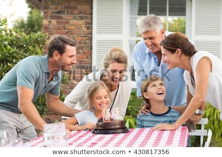 abuelo · nieto · picnic · sonriendo · feliz · nino - foto stock © is2