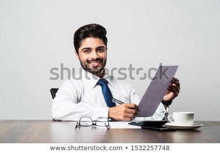 Indiano barbudo empresários assinar contrato negócio Foto stock © studioworkstock