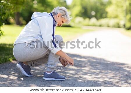 senior · mulher · corrida · parque · feliz · correr - foto stock © lopolo