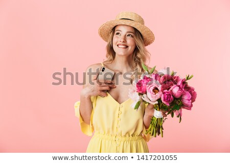 Foto stock: Bastante · mulher · jovem · posando · isolado · rosa · parede