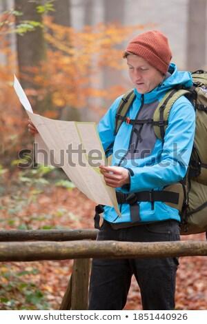 férfi · természetjáró · hátizsák · térkép · illusztráció · papír - stock fotó © colematt