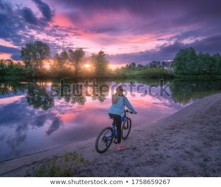nina · ciclista · reparación · moto - foto stock © deandrobot