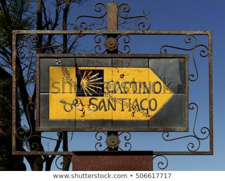 Shell signe distance Santiago saleté chemin Photo stock © diego_cervo