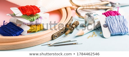 Bordado establecer cruz blanco tejido dedal Foto stock © Melnyk