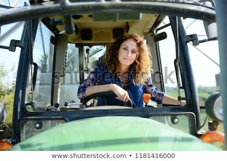 Stockfoto: Landbouwer · rijden · trekker · familie · handen · gelukkig
