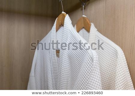 Fehér fürdőköpeny akasztás fa vállfa szabadság Stock fotó © punsayaporn