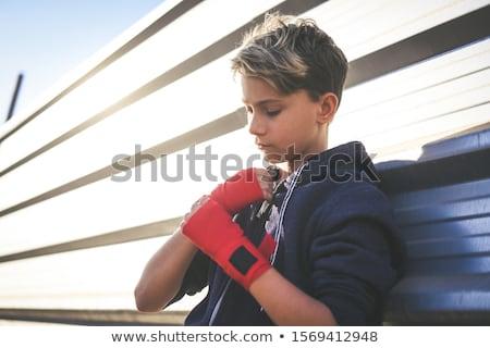 Mężczyzna bokser koncentruje szkolenia biały Zdjęcia stock © wavebreak_media