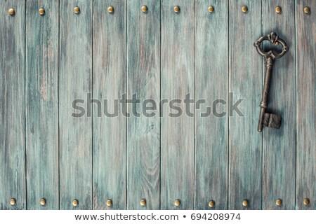 Vieux rouillée grand clé blanche horizontal Photo stock © olykaynen