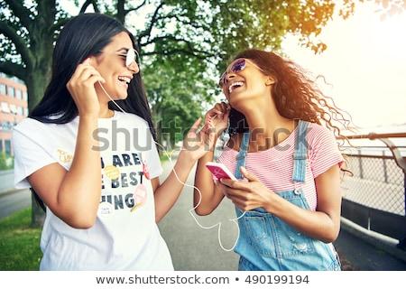 kedvenc · dallam · kettő · gyönyörű · fiatal · osztás - stock fotó © lithian