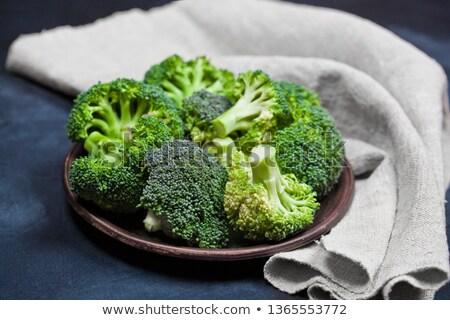 新鮮な 緑 オーガニック ブロッコリー ブラウン プレート ストックフォト © marylooo