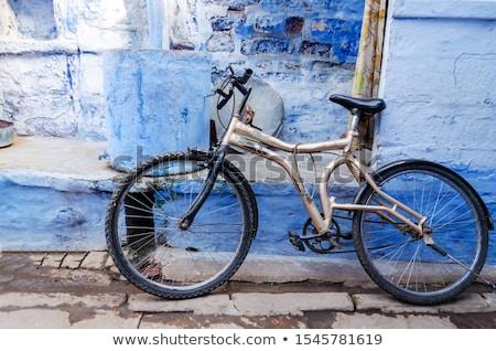 classique · vintage · noir · vélo · mur - photo stock © ziprashantzi