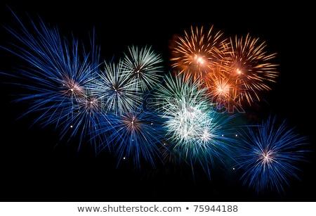 tűzijáték · éjszakai · ég · boldog · háttér · éjszaka · sziluett - stock fotó © deymos