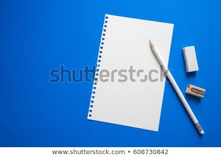 Bloco de notas lápis apagador mesa de madeira casa Foto stock © karandaev