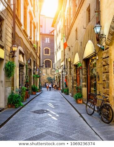 Keskeny olasz utca ház otthon ablak Stock fotó © fyletto