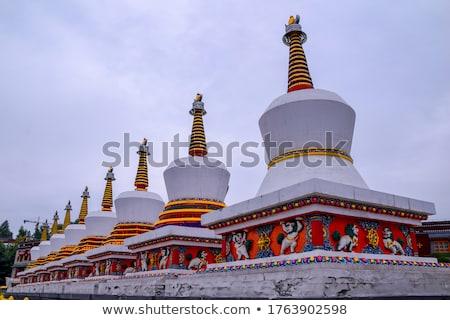 Foto stock: Histórico · budista · vermelho · blue · sky · beleza · azul