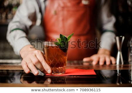 Barman verre cocktail bar contre Photo stock © wavebreak_media