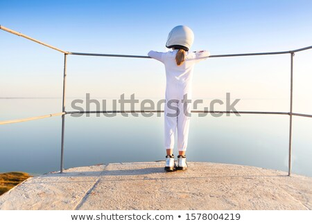 Astronaut futuristische kid meisje witte Stockfoto © dashapetrenko